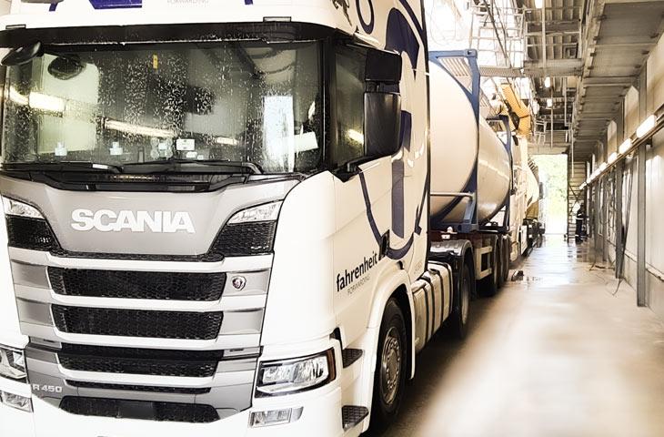 celcius-tank-cleaining-truck-repair-service